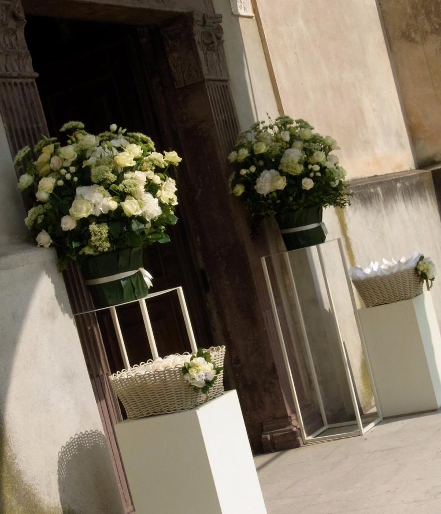 Fiori Chiesa.Allestimenti Floreali A Brescia Compagnia Dei Fiori